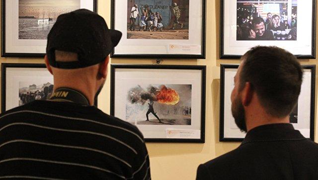 Открытие фотовыставки победителей конкурса имени Андрея Стенина в Будапеште. 15.11.2017