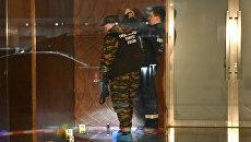 Сотрудники правоохранительных органов на месте драки со стрельбой в районе комплекса Москва-сити