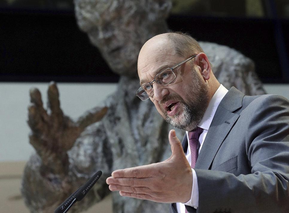 Мирзаян: Ради спасения Меркель принесут в жертву того, кого никому не жалко