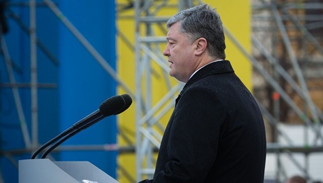 Президент Украины Петр Порошенко на церемонии переименования Высокомобильных десантных войск в Десантно-штурмовые войска и установление Дня десантно-штурмовых войск ВСУ. 21 ноября 2017
