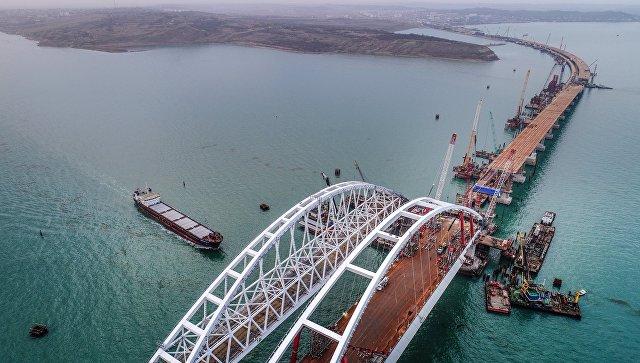 Строительство Крымского моста. Архивное фото