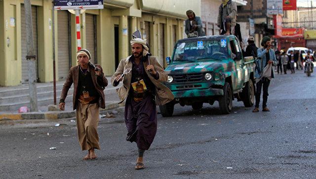 Повстанцы недалеко от резиденции президента Йемена Али Абдаллы Салеха в Сане