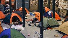 Опустевший палаточный лагерь беженцев у вокзала Калети в Будапеште. Архивное фото