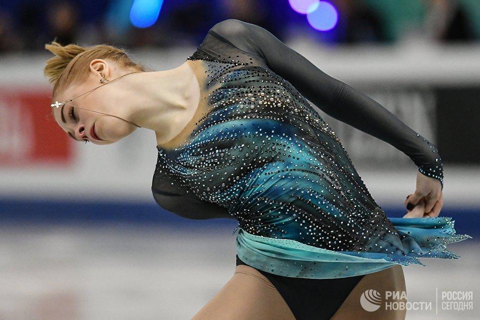 Дарья Паненкова (Россия) выступает в короткой программе женского одиночного катания в финале Гран-при среди юниоров по фигурному катанию в японской Нагое