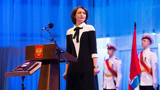 Новый мэр Омска Оксана Фадина на торжественной церемонии вступления в должность. 8 декабря 2017