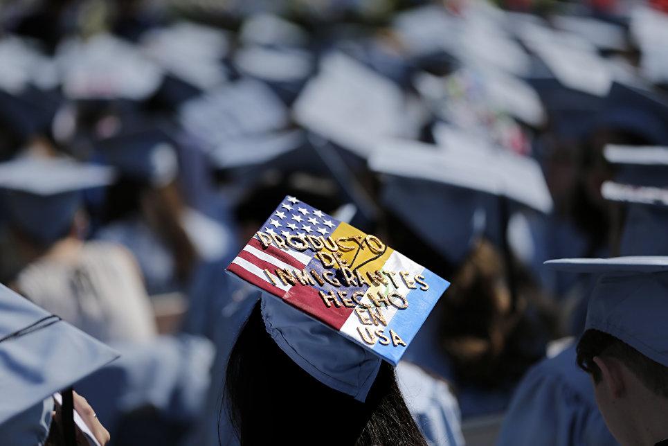 Сотни университетов по всей стране внедряют систему анонимных доносов