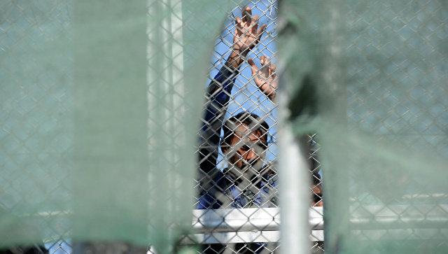 СМИ говорили о многочасовых столкновениях влагере мигрантов наЛесбосе