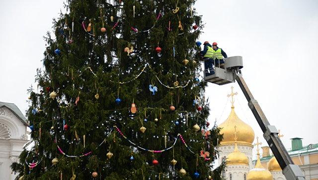 Главную новогоднюю елку демонтируют 24 января