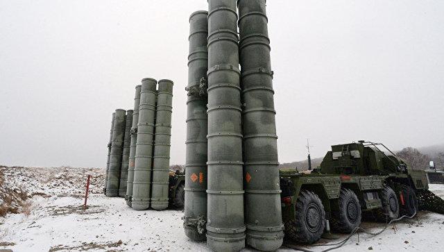 Зенитные ракетные комплексы С-400 Триумф. Архивное фото