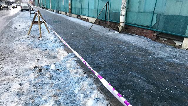 Синий снег в Санкт-Петербурге