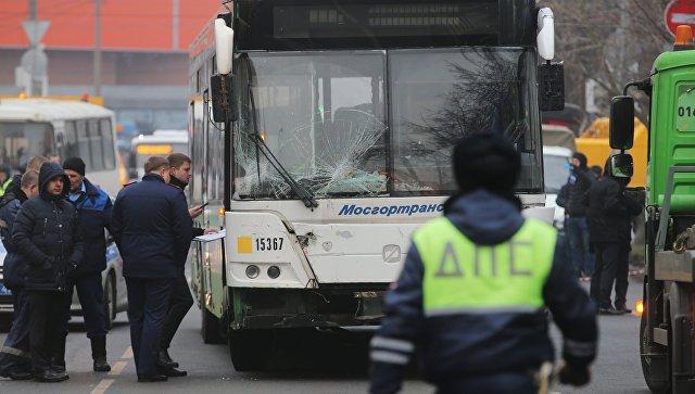 Очевидец поведал оДТП савтобусом, протаранившим остановку в столице