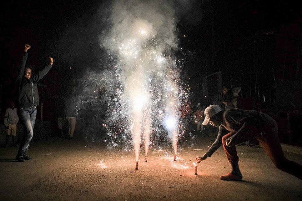 Во время празднования Нового года в Найроби, Кения. 1 января 2018