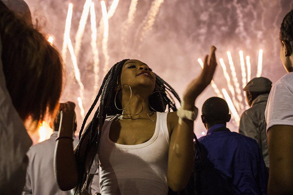 Во время празднования Нового года в Йоханнесбурге, ЮАР
