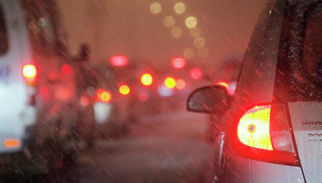 МЧС предупредило осильном ветре игололедице в столицеРФ