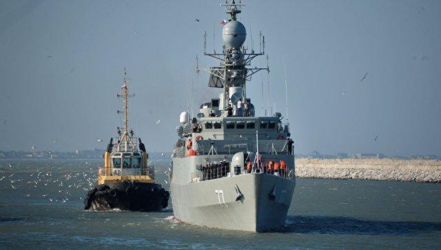 Иранский эсминец в Каспийском море. Архивное фото