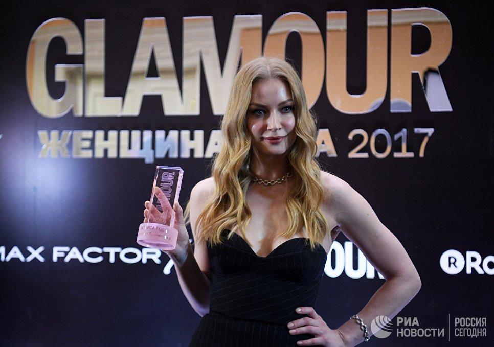 Актриса Светлана Ходченкова, получившая награду в номинации Актриса года, на торжественной церемонии вручения премии Женщина года по версии журнала Glamour в Москве