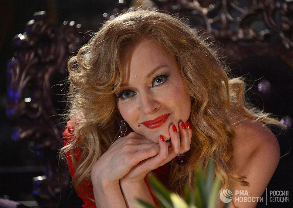 Актриса Светлана Ходченкова во время съемок фильма Гороскоп на удачу режиссера Армана Геворгяна