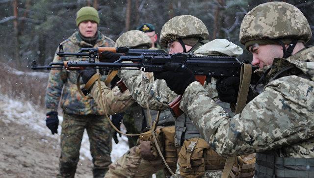 Обучение украинских военнослужащих на Яворивском полигоне. Архивное фото