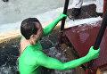 Сотрудник консульства США во Владивостоке во время Крещенских купаний