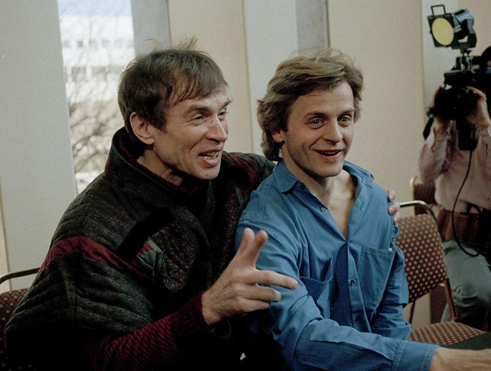 Рудольф Нуреев и Михаил Барышников на пресс-конференции в Нью-Йорке, 1986 год.