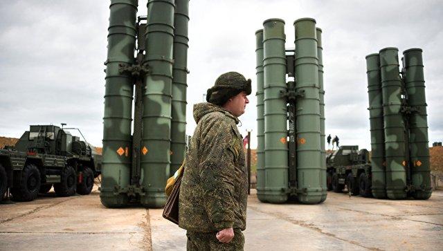 Комплексы ПВО С-400 Триумф. Архивное фото