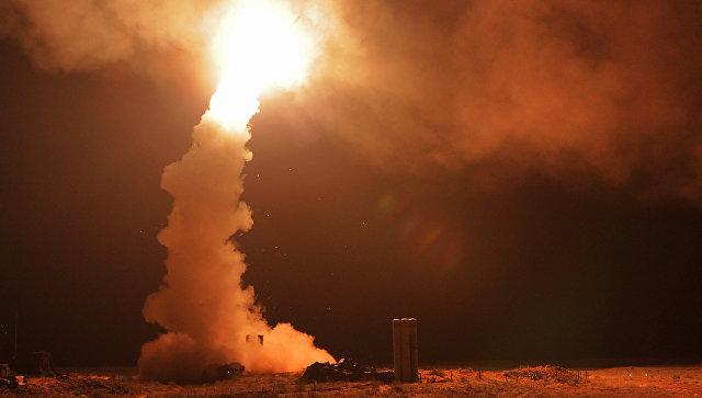 Пуск ракет зенитными ракетными системами. Архивное фото