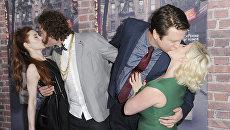 Актеры Кейт Гурини, Ти Джей Миллер, Пит Холмс и Валери Чейни на премьере сериала По друзьям