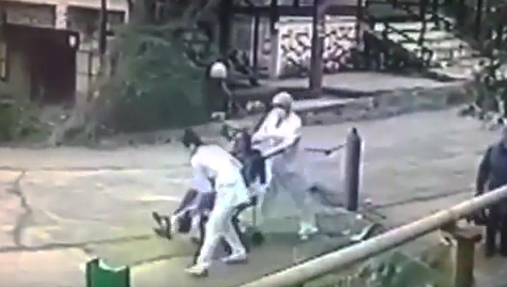 Росздравнадзор проверит случай в Сочи, где медики бросили пациента на улице