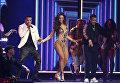 Луис Фонси, Дэдди Янки и Сулейка Ривера выступают с песней Despacito на 60-й церемонии Грэмми. 28 января 2018