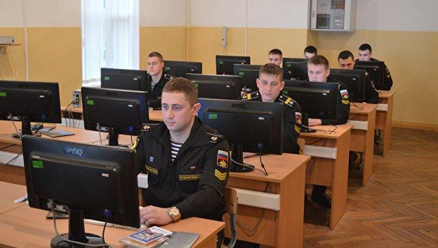 Курсанты военного факультета. Архивное фото