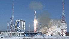 Третий старт с Восточного: кадры запуска ракеты Союз-2.1а с 11 спутниками
