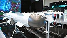 Ракета на стенде АО Корпорация Тактическое ракетное вооружение. Архивное фото