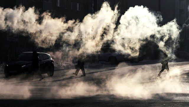 Пар от мороза на улице в центре Красноярска
