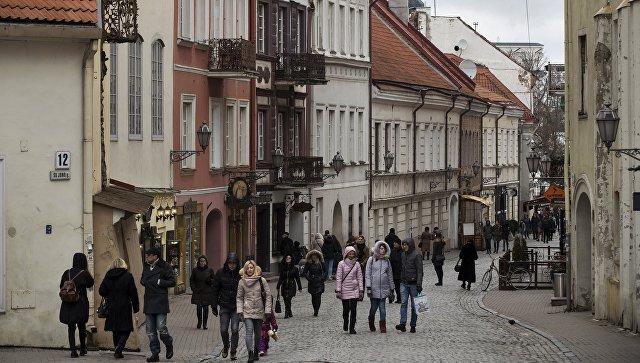 Одна из улиц старого города в Вильнюсе. Архивное фото
