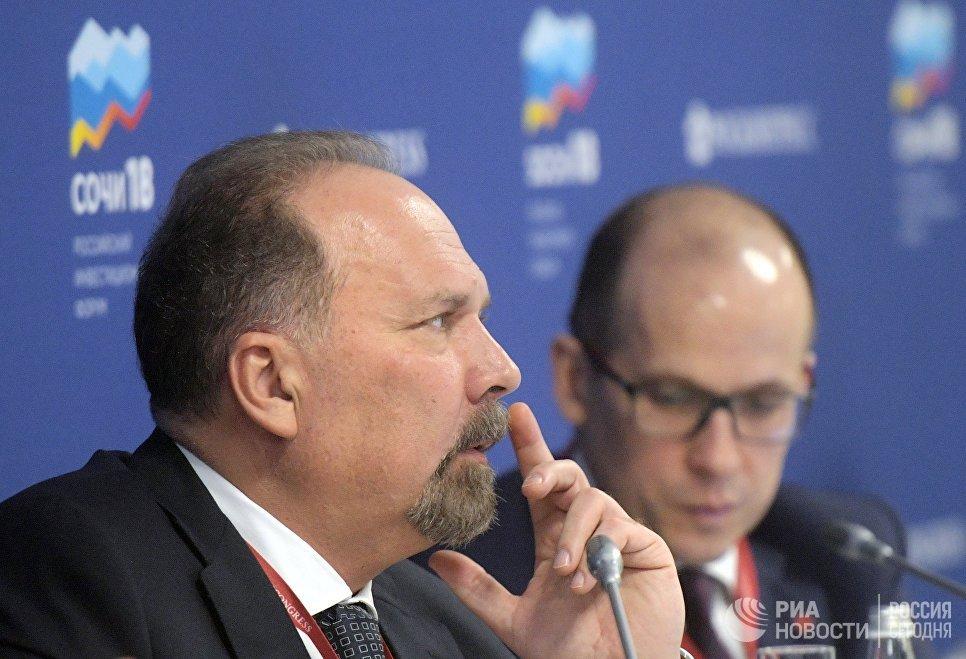 Министр строительства и жилищно-коммунального хозяйства Российской Федерации Михаил Мень на Российском инвестиционном форуме в Сочи. 15 февраля 2018