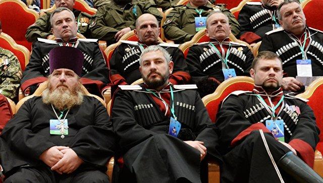 Участники Большого круга российского казачества в Зале церковных соборов Храма Христа Спасителя. 15 февраля 2018