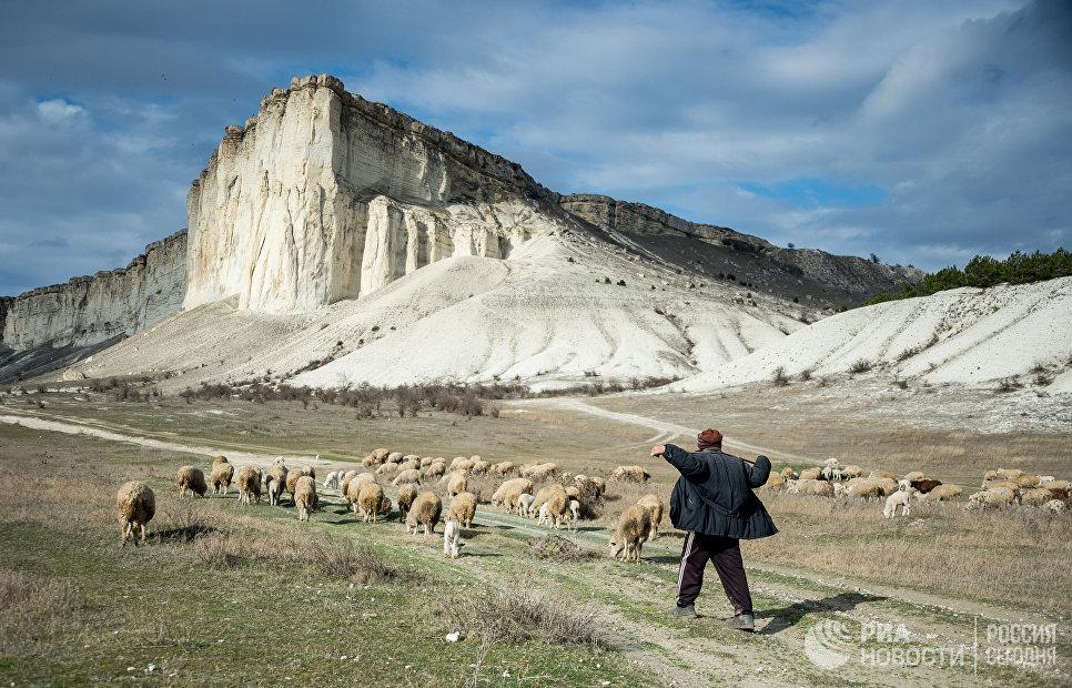 Белая скала в Крым