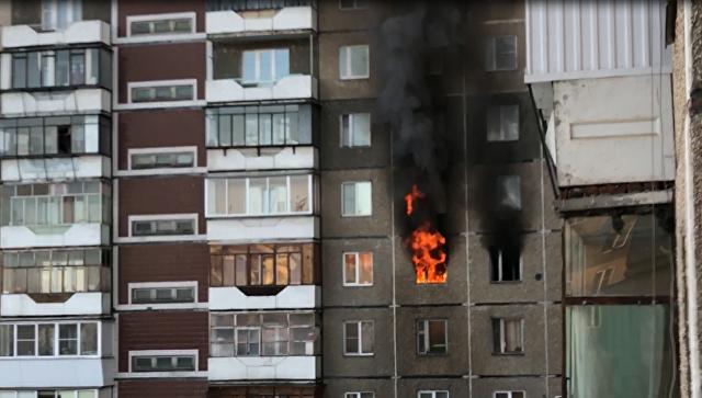 Пожар в многоквартирном доме в Челябинске из которого было спасено двое детей. 17 февраля 2018