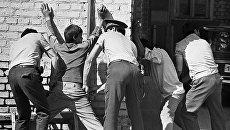 Стражи правопорядка задержали хулиганствующих молодчиков