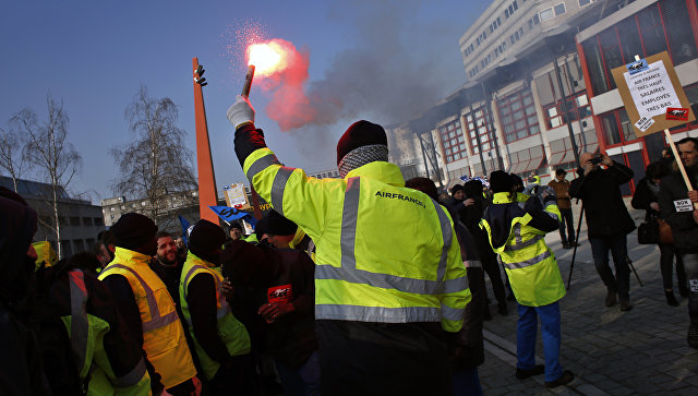Во Франции проходит забастовка сотрудников Air France