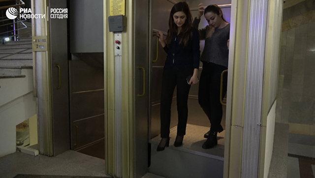 Последний работающий лифт-патерностер в здании Минсельхоза в Москве