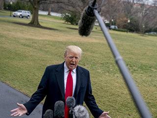 Президент США Дональд Трамп во время встречи с журналистами. 23 февраля 2018