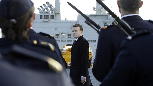 Макрон объявил , что европейскому союзу  необходимо сделать  армию, независимую отСША