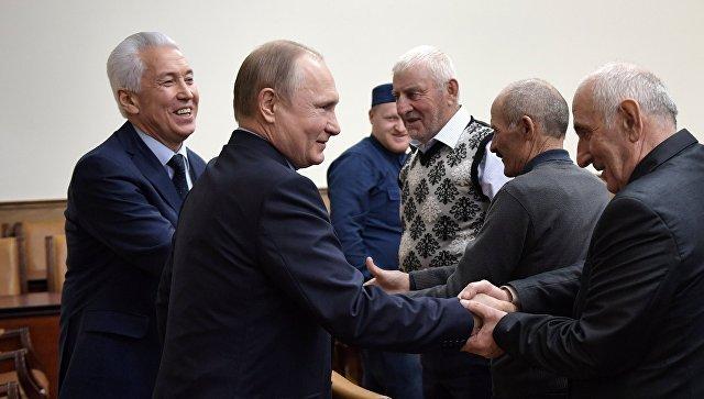 Путин призвал навести порядок в экономике Дагестана
