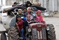 Жители Африна покидают свои дома, Сирия. 10 марта 2018 года