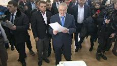 Владимир Жириновский проголосовал на выборах президента России