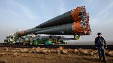 Вывоз ракеты-носителя Союз-ФГ c транспортно-пилотируемым кораблем Союз МС-08 на стартовую площадку космодрома Байконур. 19 марта 2018