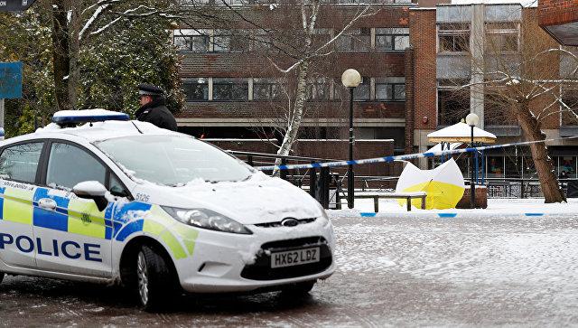 Полицейские в Солсбери, рядом с местом, где был найден Сергей Скрипаль и его дочь