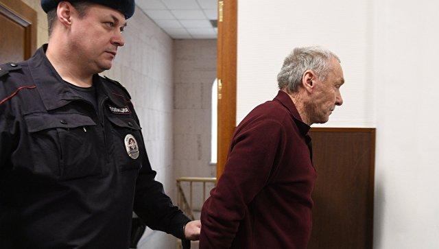 Отец полковника МВД Дмитрия Захарченко Виктор в Басманном суде Москвы. 22 марта 2018