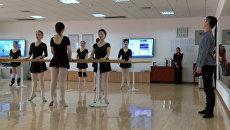 Пенсионерки-балерины: в Китае дамы старше 60-ти осваивают классический танец